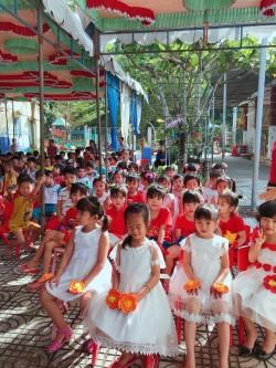 Các bé, các đại biểu tham gia ngày Hội bé đến trường